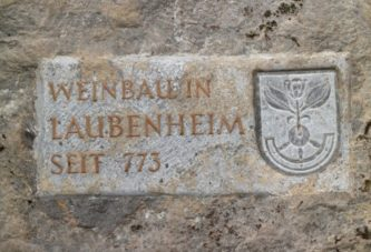 Keltern als Symbole Laubenheimer Weinbautradition